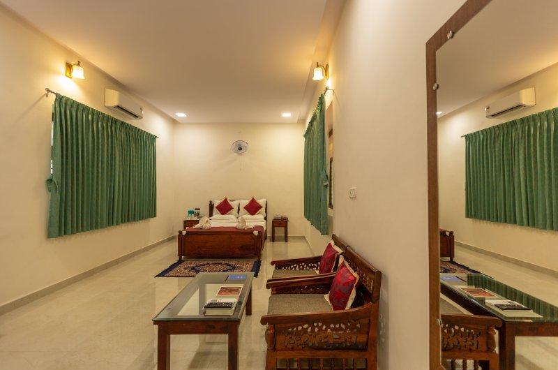 ಹೋಟೆಲ್ ಮಯೂರ ಆದಿಲ್ ಷಾಹಿ ವಿಜಯಪುರ
