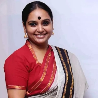 (English) Smt Shruthi <br/> Hon'ble Chairperson